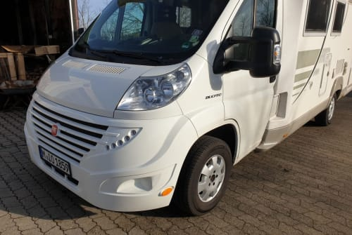 Hire a motorhome in Neufahrn bei Freising from private owners| CI International GT
