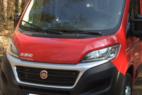 Hire a motorhome in Garching bei München from private owners| Pössl Mo