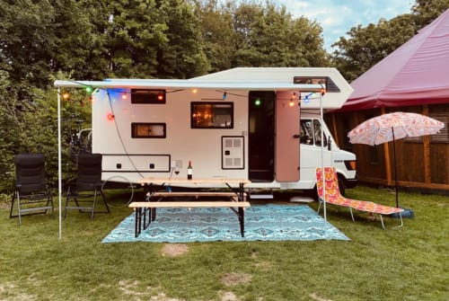 Hire a motorhome in Amsterdam from private owners| Nieschmann & Bischhoff Clouf