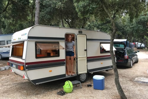 Hire a motorhome in Borgentreich from private owners  Hobby Seestern