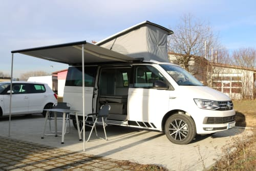 Hire a motorhome in Singen from private owners| VW Horst