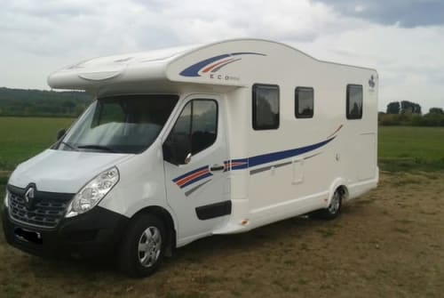 Hire a motorhome in Mössingen from private owners  Ahorn Ahorn Camp 2
