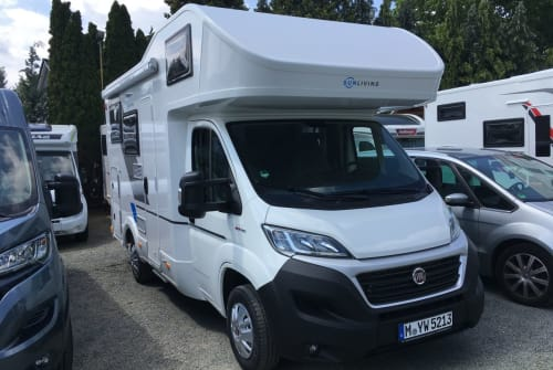 Hire a motorhome in München from private owners| Sun Living Monsieur Horst