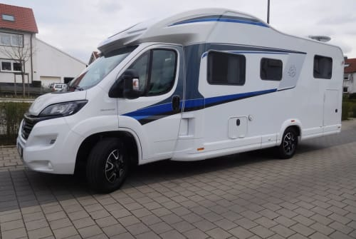 Hire a motorhome in Herne from private owners| Knaus Alles an Bord
