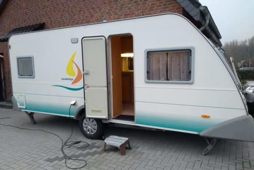 Hire a motorhome in Hückelhoven from private owners| Knaus WoWa