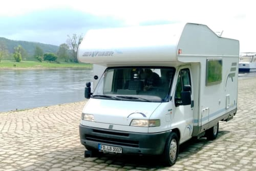 Hire a motorhome in Fulda from private owners| Hymer DICKER BÄR
