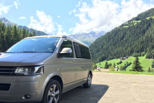 Hire a motorhome in Berlin from private owners| VW Eddi