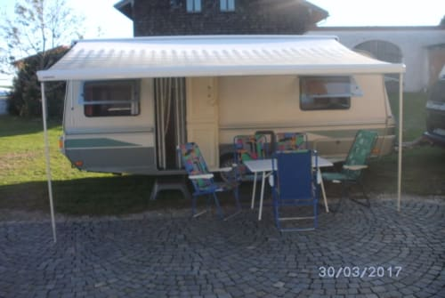 Hire a motorhome in Palling from private owners| Fendt Michael
