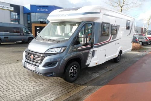 Hire a motorhome in Nijverdal from private owners| Rapido Rapido 696F