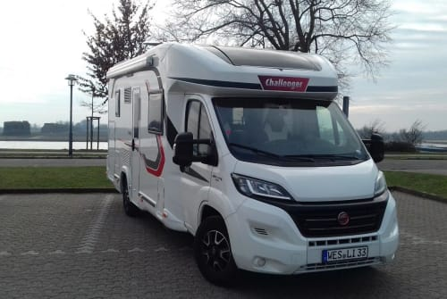 Hire a motorhome in Wesel from private owners| Challenger La Liberte