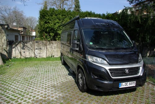 Hire a motorhome in Berlin from private owners| Hobby  Anny