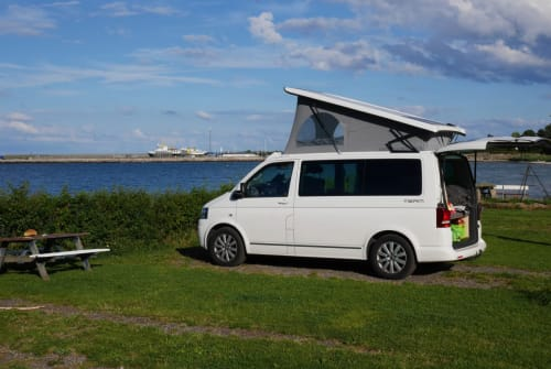 Hire a motorhome in Kiel from private owners| Volkswagen  Chill Bill