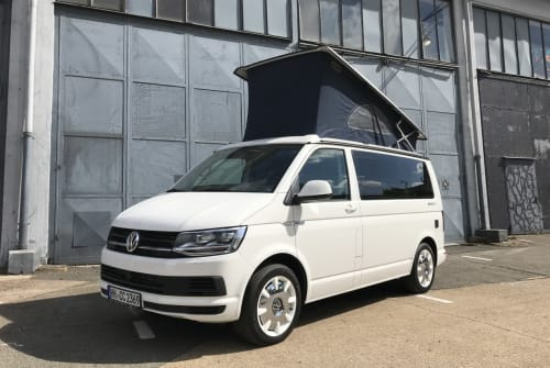 Hire a motorhome in Hamburg from private owners| VW Snowflake