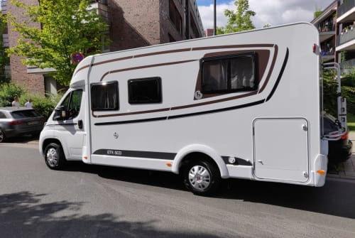 Hire a motorhome in Griesheim from private owners| Etrusco Rolands WM