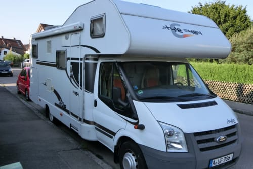Hire a motorhome in Augsburg from private owners  Carado Jacky