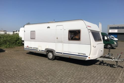 Hire a motorhome in Zoetermeer from private owners| Dethleff Dethleff