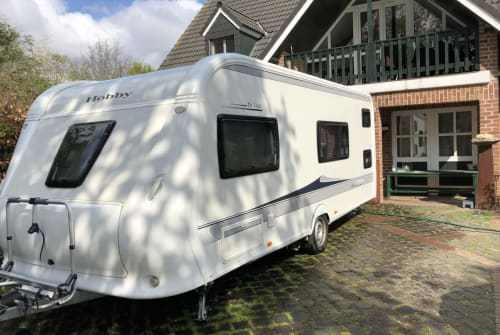 Hire a motorhome in Geldern from private owners| Hobby Rudelmobilo