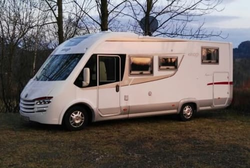 Hire a motorhome in Leipzig from private owners| Elnagh Magnum30