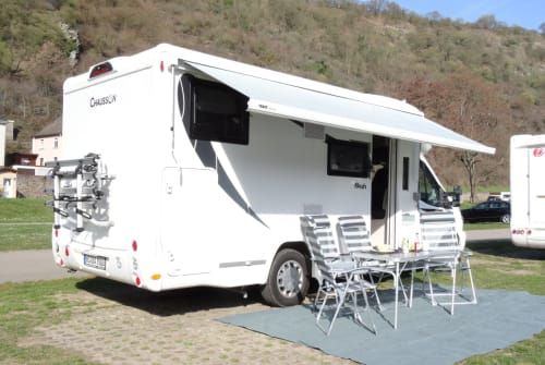 Hire a motorhome in Wegberg from private owners| Chausson Chaussie