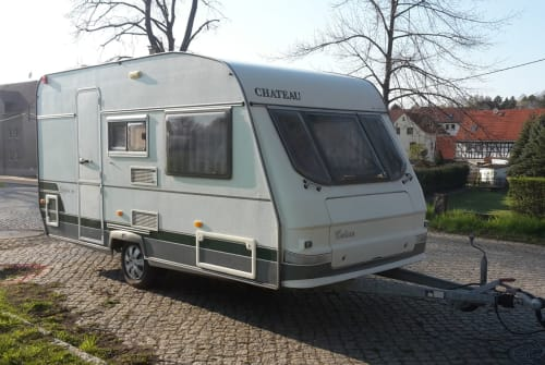 Hire a motorhome in Altenburg from private owners| Chateau Chateau