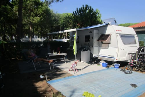 "Hire a motorhome in Rielasingen-Worblingen from private owners| Dethleffs ""unser Wohni"""