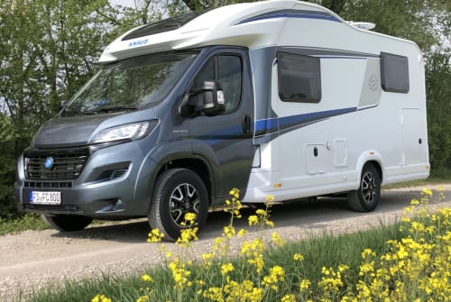 Hire a motorhome in Neufahrn bei Freising from private owners| Knaus Luca