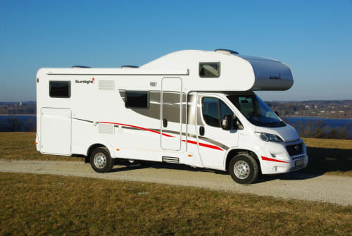 Hire a motorhome in Inning a. Ammersee from private owners| Sunlight Helga 4.0