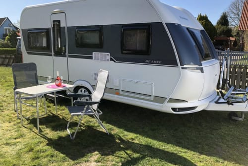 Hire a motorhome in Norderstedt from private owners| Hobby deLuxe455UF/Mov