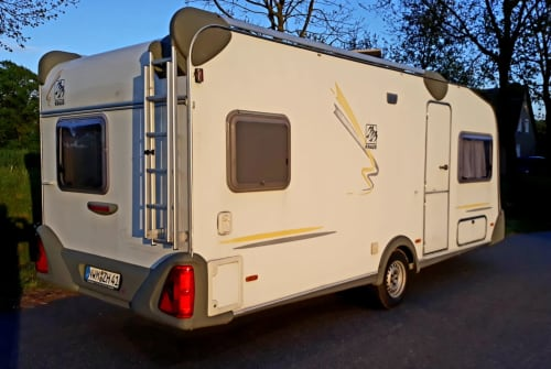 Hire a motorhome in Neuburg from private owners| Knaus Ostseeperle