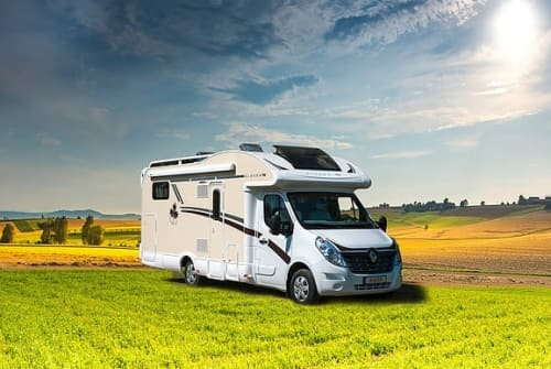 Hire a motorhome in Garbsen from private owners| Ahorn Webers Alaska