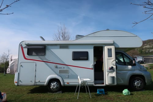 Hire a motorhome in Frankfurt am Main from private owners| Dethleffs Chewbacca