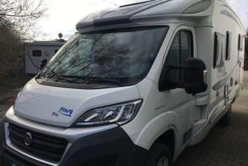 Hire a motorhome in Reutlingen from private owners| P.L.A. P.L.A. Plasy 69