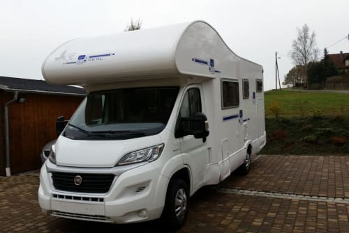 Hire a motorhome in Leipzig from private owners| Rimor Hannes