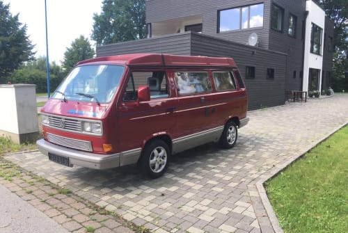 Hire a motorhome in Mannheim from private owners| VW Red Chili