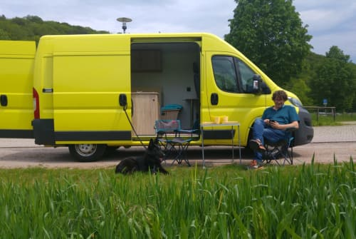 Hire a motorhome in Aichtal from private owners| Citroen Happy Jumper