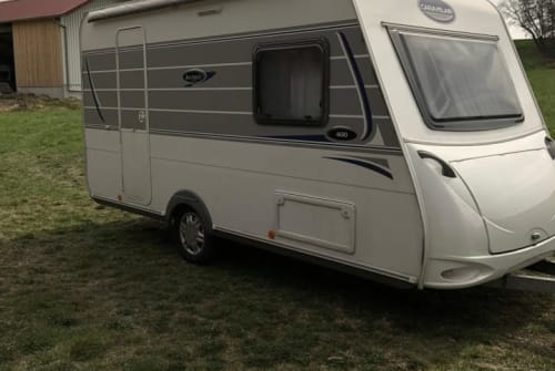 Hire a motorhome in Hohenkammer from private owners| Caravelair  Gustl