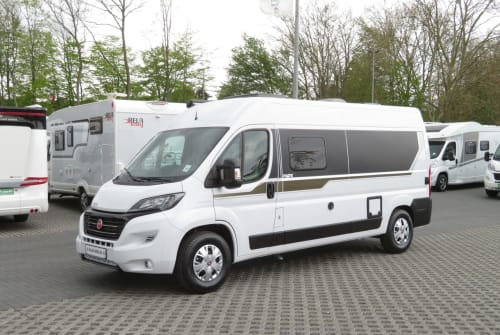 Hire a motorhome in Stolberg from private owners| Pilote Cityflitzer