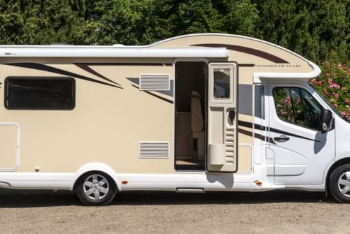 Hire a motorhome in Limburg an der Lahn from private owners| Ahorn A-Hörnchen