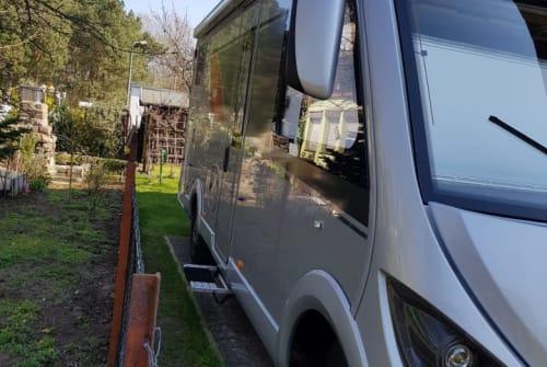 Hire a motorhome in Oranienburg from private owners| Bürstner SUSI II