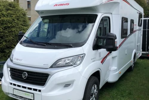 Hire a motorhome in Sindelfingen from private owners  Dethleffs Leo 2