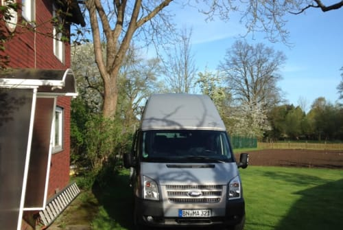 Hire a motorhome in Bonn from private owners| Ford Olli