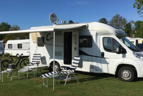 Hire a motorhome in Bad Arolsen from private owners| Fiat Carado Fuchsbau