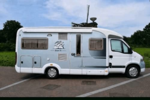 Hire a motorhome in Overloon from private owners| Knaus KNAUS Sun Ti