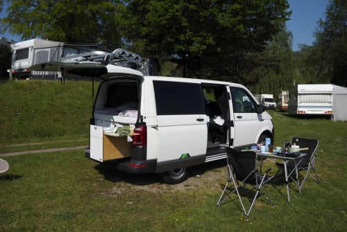 Hire a motorhome in Bamberg from private owners| VW Hansi