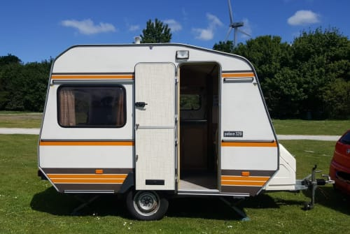 Hire a motorhome in Wateringen from private owners| Roller Retro Roller!