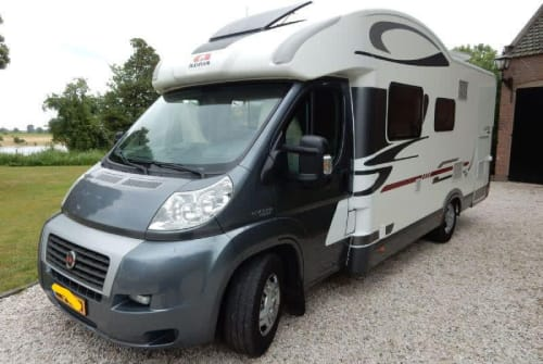 Hire a motorhome in Purmer from private owners| Fiat Ducato Matrix grijs