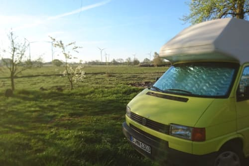 """Hire a motorhome in Berlin from private owners