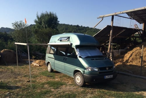 Hire a motorhome in Berlin from private owners  Volkswagen Fätter Peter