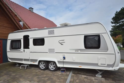 Hire a motorhome in Isselburg from private owners| Fendt Sophia II