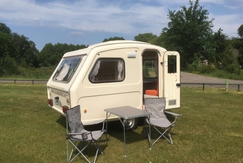 Hire a motorhome in Haps from private owners| Predom Predom caravan